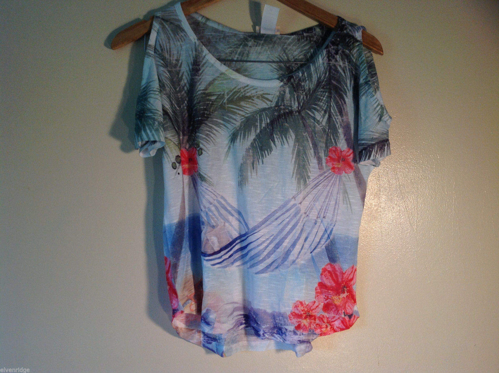 NEW Womens Size M Sunshirt tshirt Open Shoulders Hammock Made in USA
