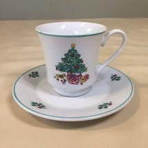 Gibson Designs Christmas NOEL MORNING Tea Cup & Saucer  - $9.89