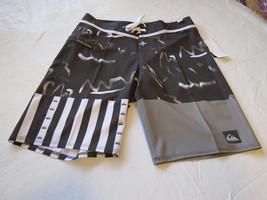 Quiksilver boardshorts 34 board swim shorts trunks Men's Remix the mix 34x20 NEW - $64.33