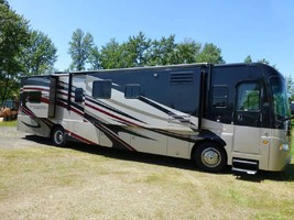 2011 COACHMEN CROSS COUNTRY 405FK For Sale In Ashland, OR 97520 image 1