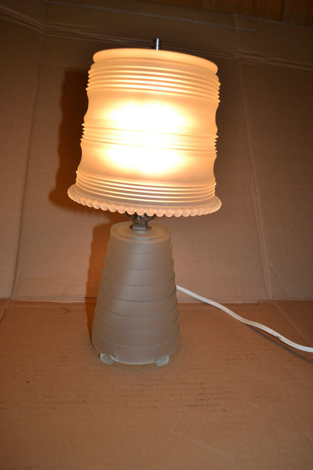 Vintage 1930-40 s Art Deco frosted Glass Table Vanity Lamp Light Glass shade - Table Lamps