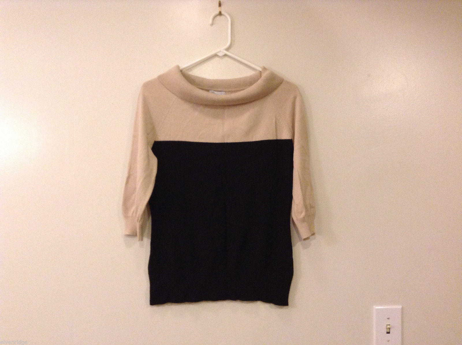 New York & Company Boat Neck Beige Black 1/2 Raglan Sleeve Sweater Top, Size M