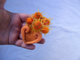 Sunflowers brooch, hat accessory, sewing accessory, sunflowers - $18.00