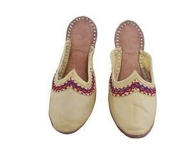 Women Slippers Indian Handmade Traditional Flip-Flops Yellow Clogs Jutties US 4 - $24.99