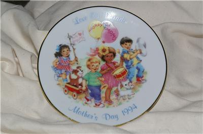 Vintage Avon Mother's Day Plates 1993 & 1994 Great Gift