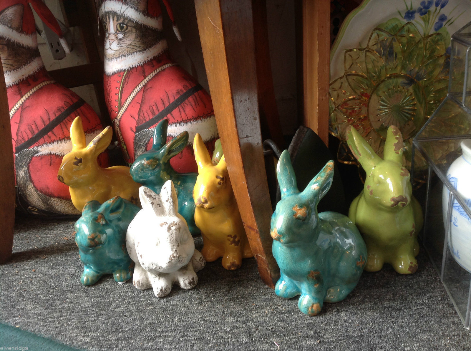 Ceramic vintage look ONE rabbit statue w COLOR CHOICE of green blue white yellow