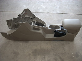2013 FORD FOCUS CENTER CONSOLE  image 1
