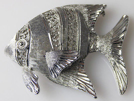 Silvertone TROPICAL ANGEL FISH PIN Brooch Silver-tone Jewelry 1-5/8 inches - $11.64