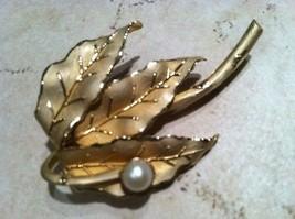 DANECRAFT 1/20 12K Gold Filled marked designer brushed leaflet pearl Brooch Pin - $49.50