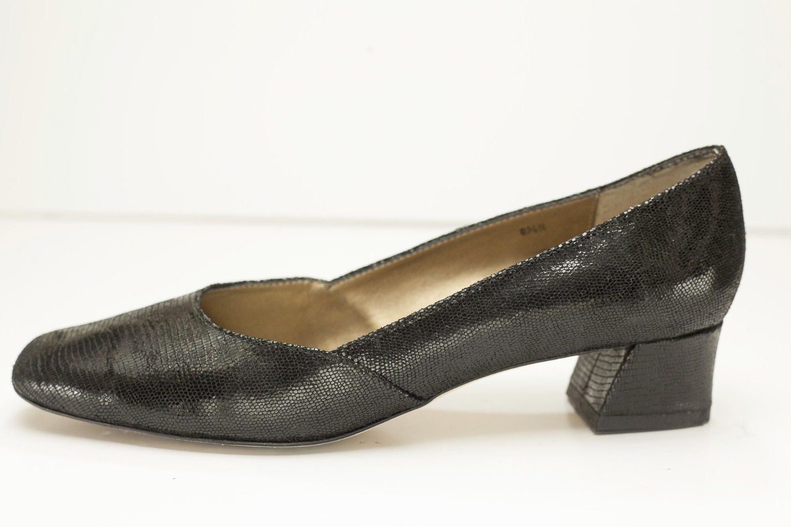 Van Eli 8.5 Narrow Black Snake Pumps Women's Shoes