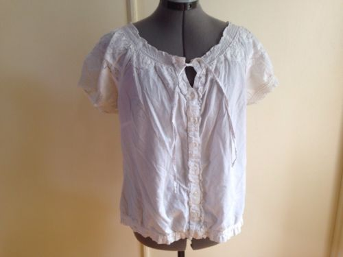 Closeout - Caribbean Joe White Summer Blouse with Button Front and Lace M - $10.70