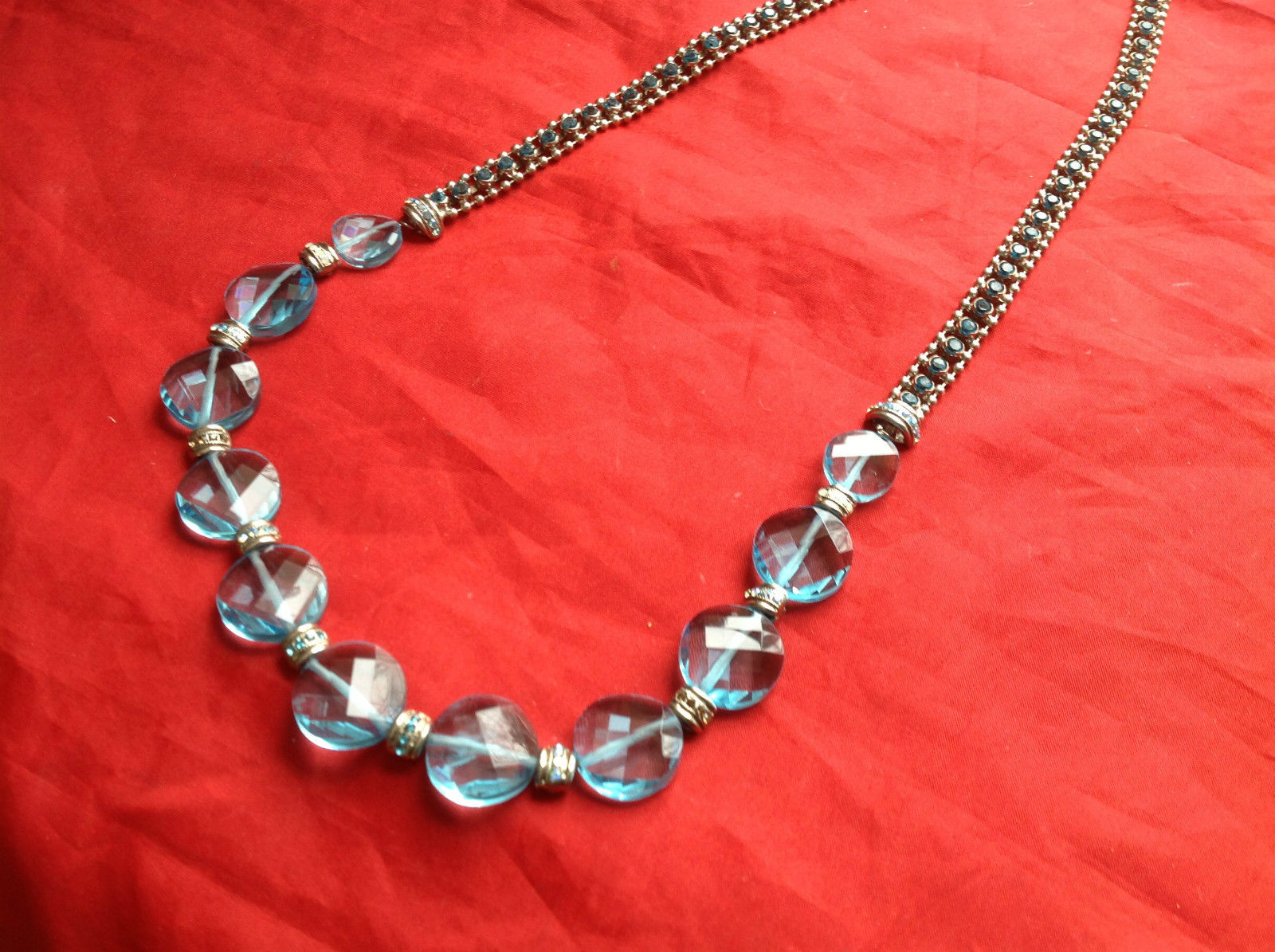 Gorgeous Sorrelli Silver Light Blue faceted crystals 15 Inch Necklace