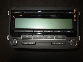 11 12 Vw Jetta Passat Radio Cd Player #1 K0035164 A Xx 807 *See Item Description* - $69.30