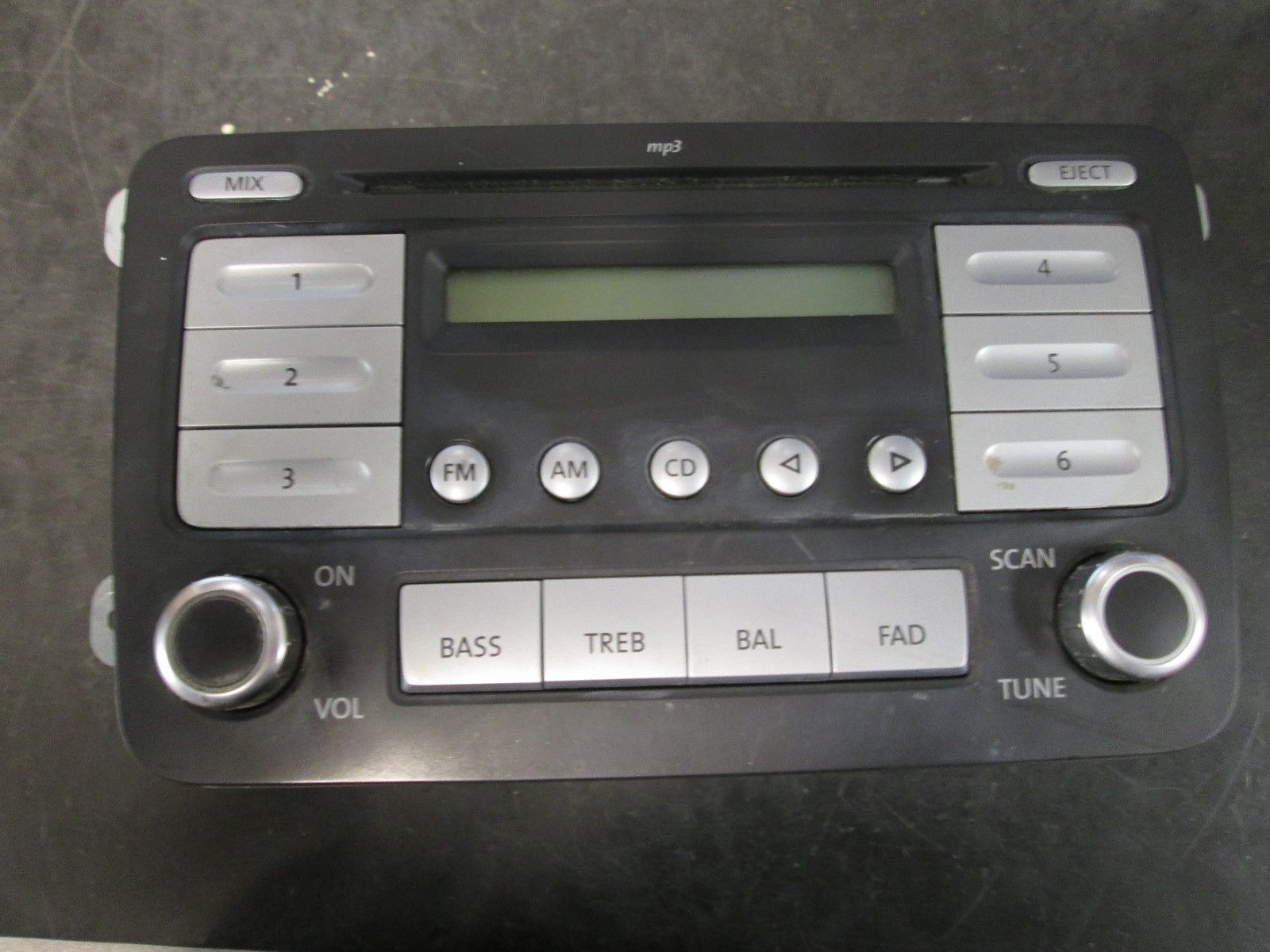07-09 VW PASSAT JETTA RABBIT CD PLAYER RADIO #28088967 *See item description* - $49.50