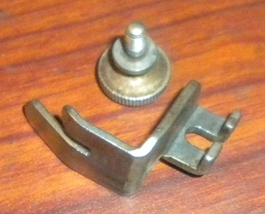 Singer 127 V.S. Straight Stitch Presser Foot #8337 w/Thumb Screw #51224B - $12.50