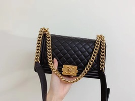 AUTHENTIC CHANEL LE BOY BLACK QUILTED LAMBSKIN MEDIUM FLAP BAG GHW image 8