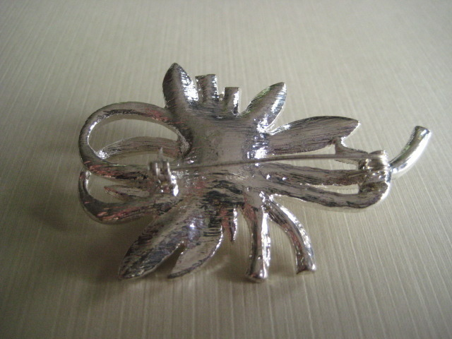 Silver Tone Brooch With Rhinestones And Faux Pearl