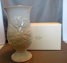 "Lenox Fine Ivory China ""Tulip Slender"" 2002 Lim... - $17.99"