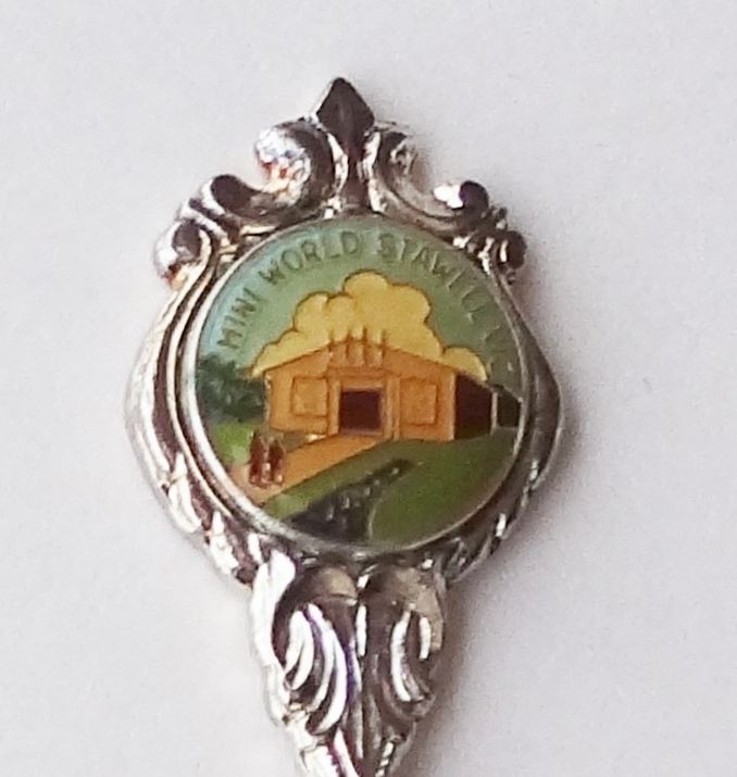Collector Souvenir Fork Australia Stawell Mini World Miniature World Emblem - $9.99