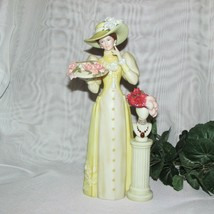 Avon Mrs. Melbee Award 2005-2006 Figurine Woman Yellow Dress Hat President's Clu - $34.99
