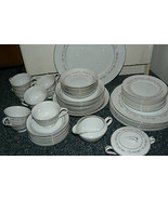 Beautiful Crestwood Wreath Porcelain 54 Piece Discontinued Pattern Japan - $445.50
