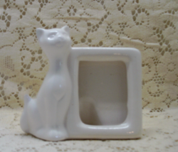 Vintage White Cat // Siamese Cat Porcelain Free Standing Photo Frame - $9.75