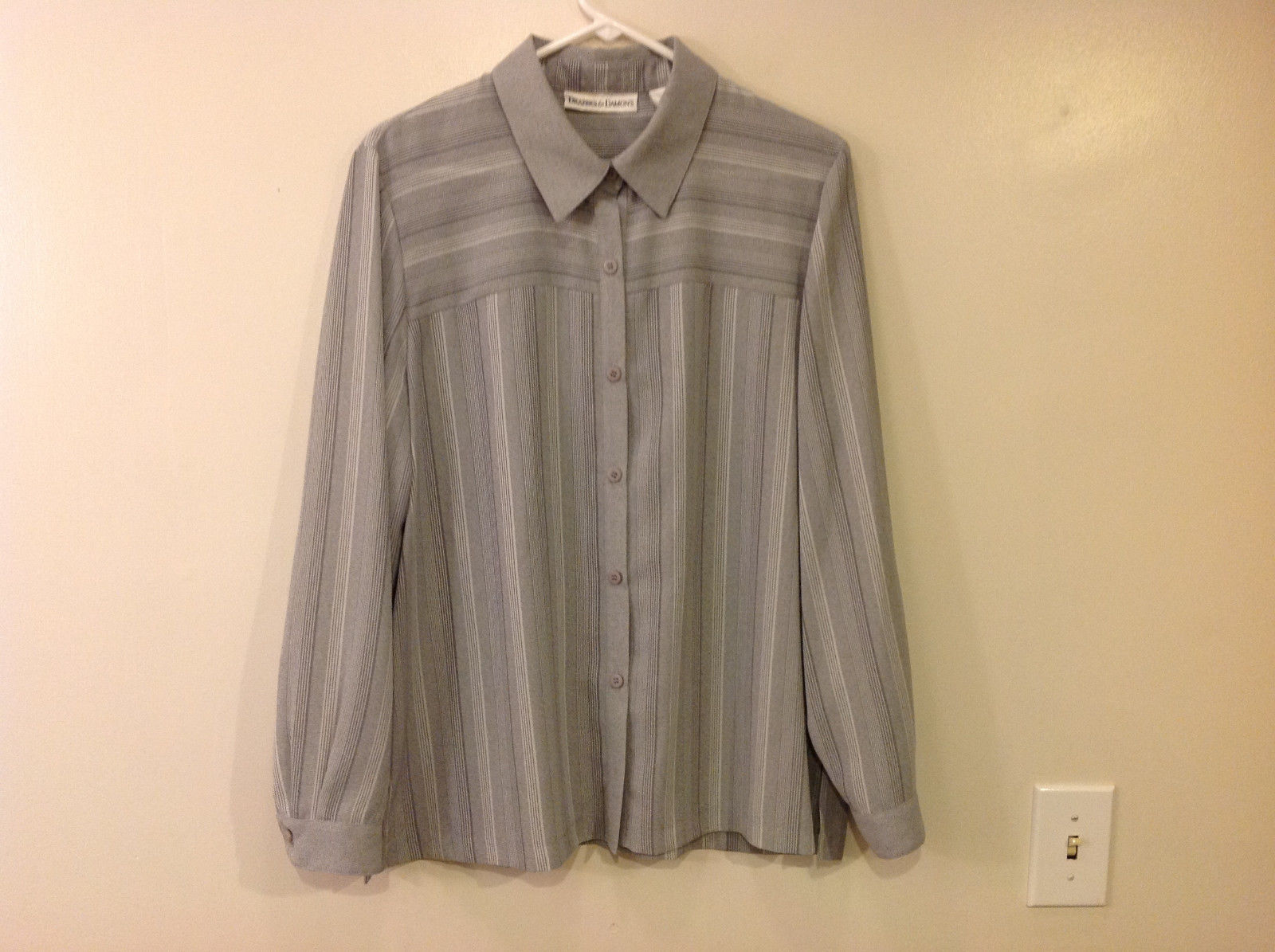 Draper & Damon Men's Size L Button-Down Shirt Gray + White Stripes Long Sleeves