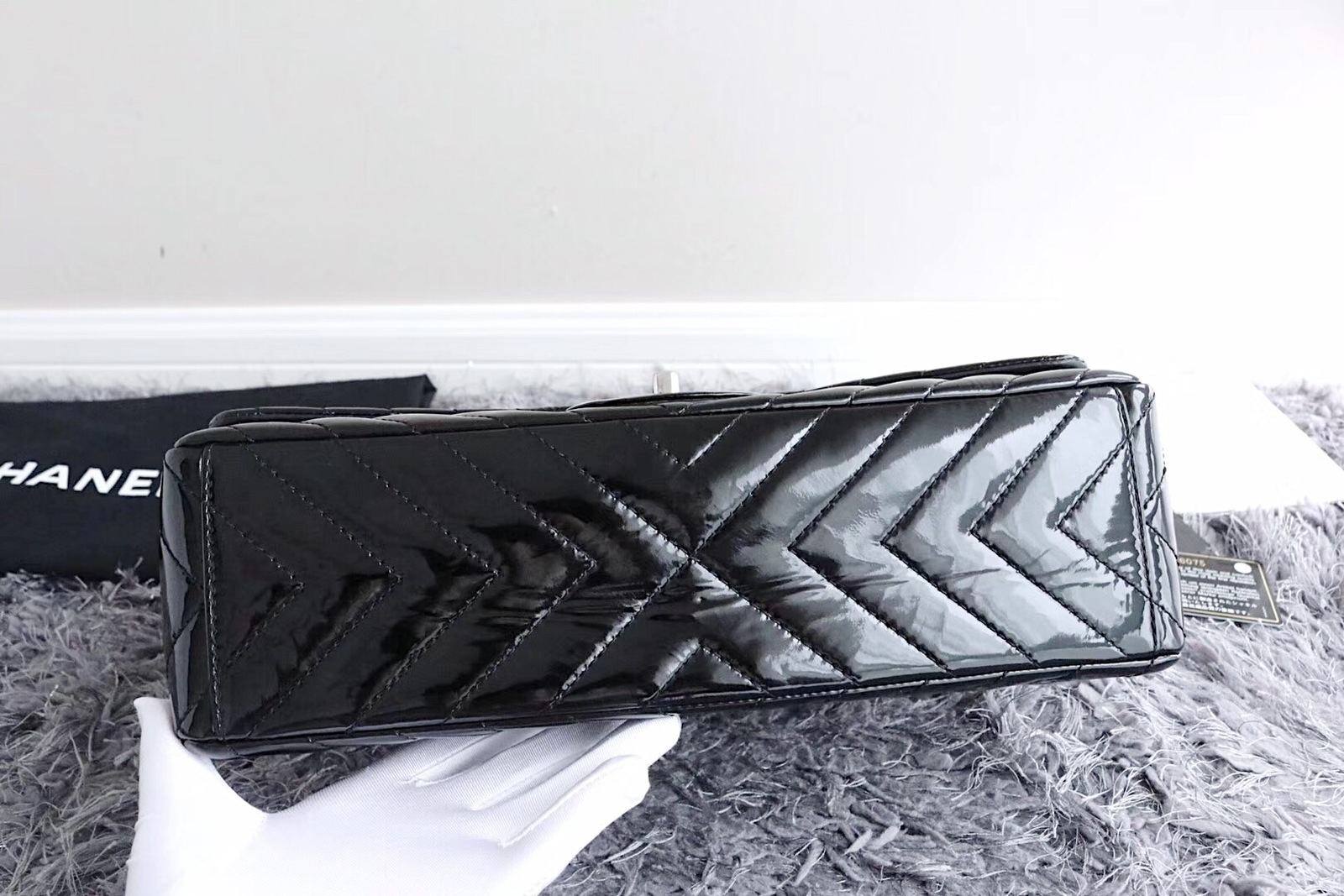 3ed811bd979bb1 AUTHENTIC CHANEL BLACK CHEVRON PATENT LEATHER MAXI CLASSIC SINGLE ...