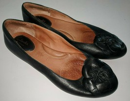 CLARKS ARTISAN 9.5 M Black Leather Ballet Toe Flats Floral Shoes Loafer - $18.55