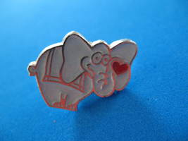 Gray Grey Elephant Lapel Hat Pin Souvenir Collector Collectible Red Heart - $5.99
