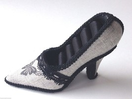 Large Shoe 4 Ring Holder Display Gray Linen Black Accents Mint Never Use... - $23.14