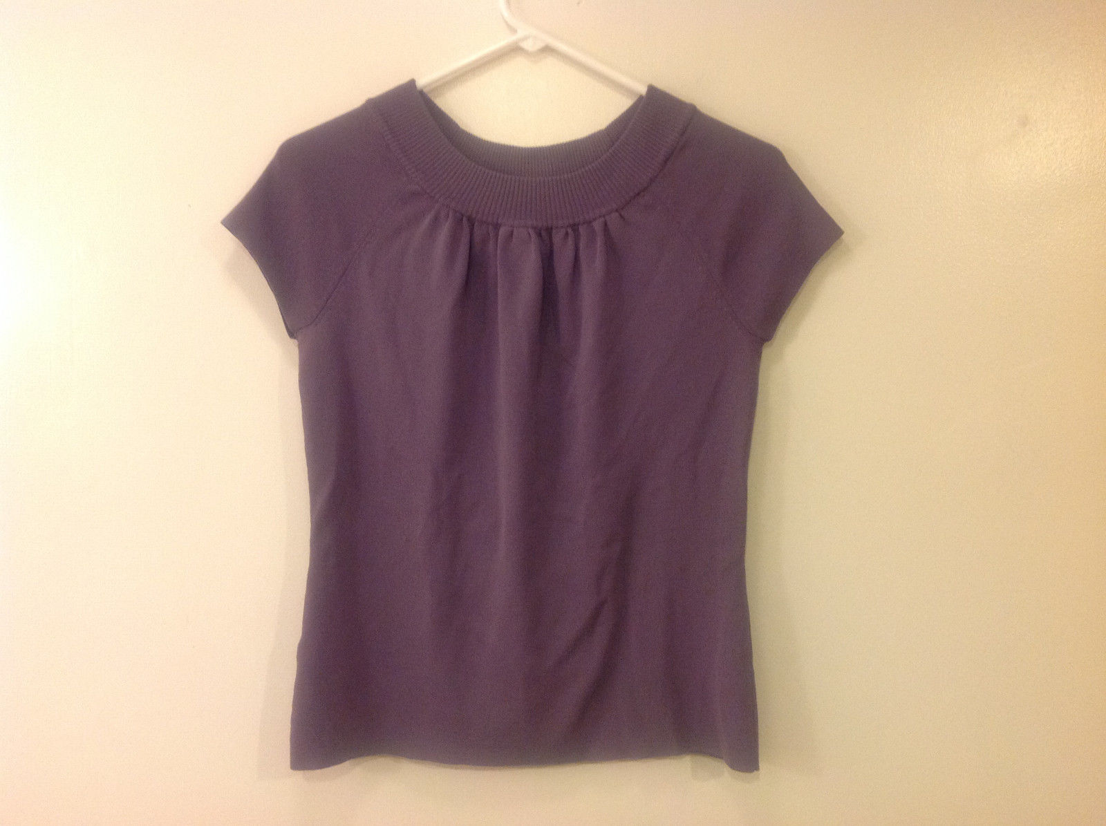 Ann Taylor LOFT Women Size M Sweater Knit Top Purple Short Sleeves Ruched Fitted
