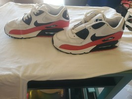Youth Nike Air  White/Red/Black Sneakers 307793-123 size 5Y - $37.62