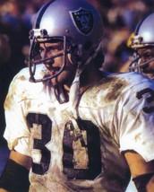 Mark Van Eeghen 8X10 Photo Oakland Raiders Picture Close Up - $3.95