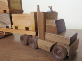 Flatbed Tractor Trailer Wood SKID TOY TRUCK w Crates Pallets Homeschool Waldorf - $138.57