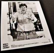 1989 Movie WHO'S HARRY CRUMB? 8x10 Press Photo Director Paul Flaherty - $9.87