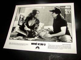1993 WAYNE'S WORLD 2 Movie Press 8x10 Photo Tia Carrere Mike Myers 756 - $10.44