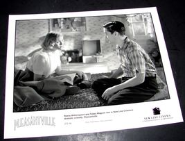 """1998 PLEASANTVILLE Original Press 8x10"""" Photo Reese Witherspoon Tobey Maguire - $9.49"""