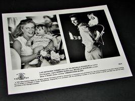 1993 UNDERCOVER BLUES Movie 8x10 Press Kit Photo Dennis Quaid Michelle Schuelke - $10.49