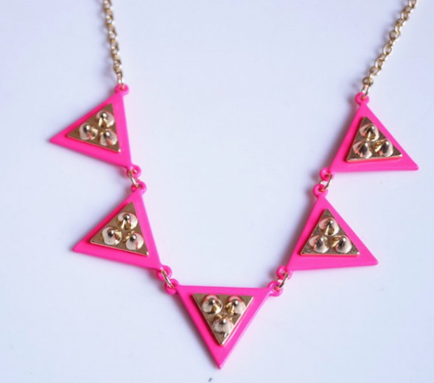 Primary image for Glitter Rivets Studding Triangle Cluster Alloy Necklace(Rose Red)