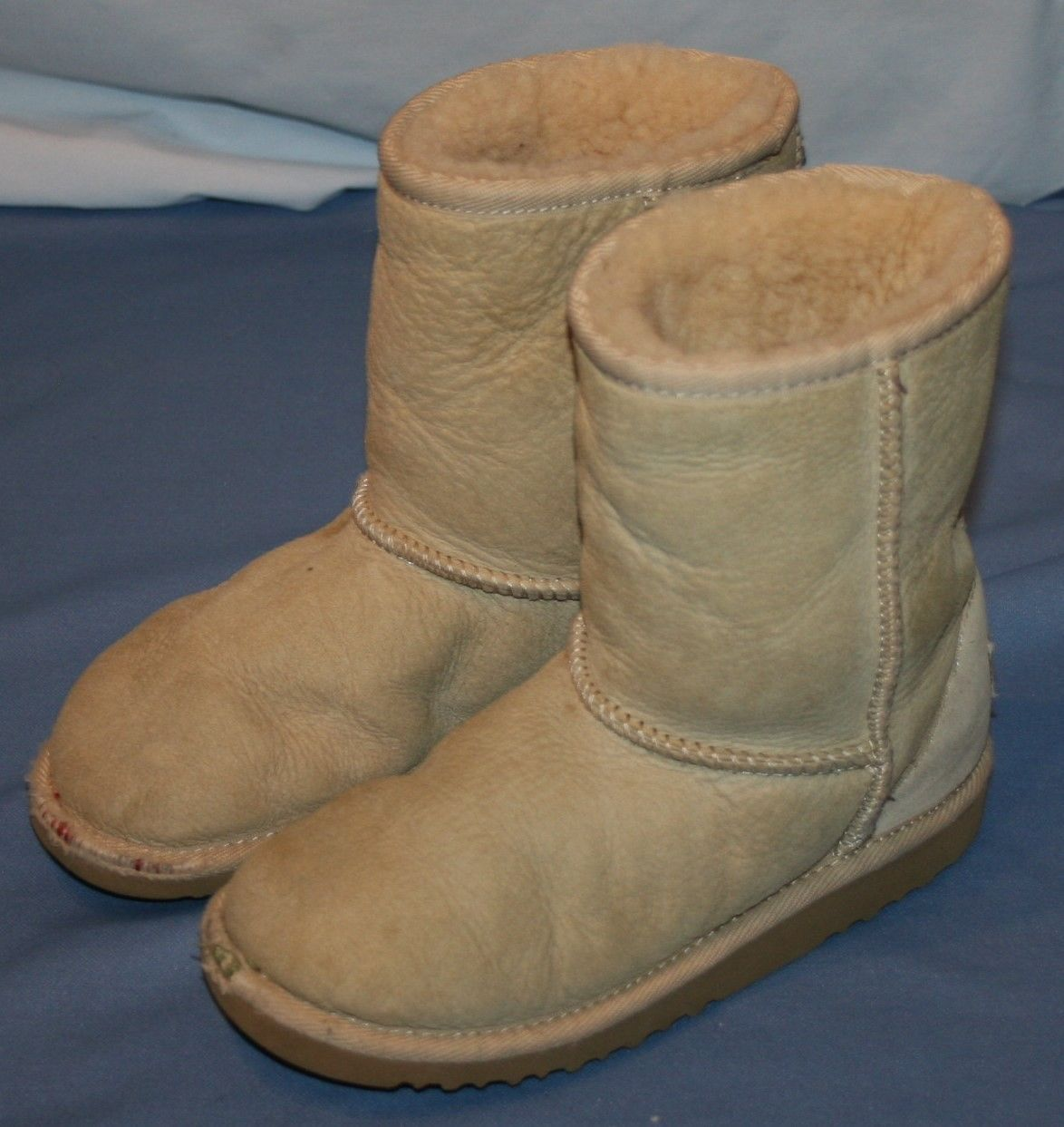 1f32f9df636 Ugg Australia Kids Sheepskin Classic Boot Sz and 50 similar items