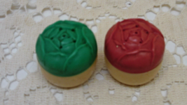 Vintage Pair of Small Round Cabbage Rose Topped Miniature Salt & Pepper Shakers - $4.25
