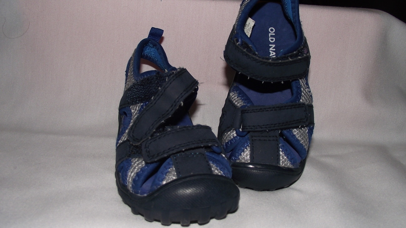 9afd1266502f Old Navy sandles water shoes toddler size 5 and 25 similar items
