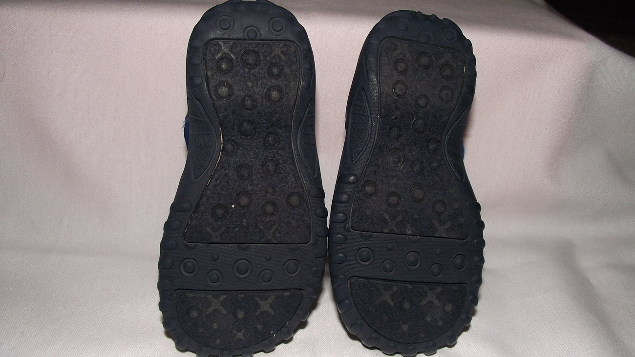 Old Navy sandles water shoes toddler size 5 Baby Shoes