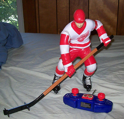 Wow Wee Totally Extreme Hockey Radio Controlled Hockey Player- 49Mhz