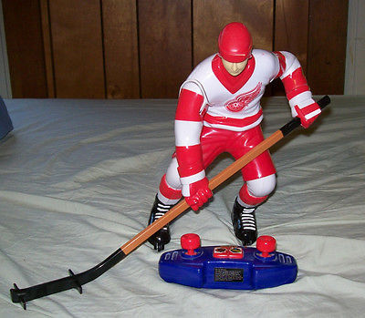 Wow Wee Totally Extreme Hockey Radio Controlled Hockey Player- 27Mhz