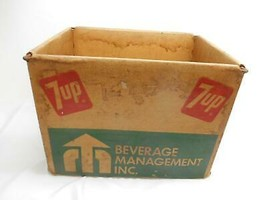 Old Vtg 1970's 7-UP BEVERAGE METAL FRAME CARDBOARD BOTTLE CARRIER ADVERT... - $98.99