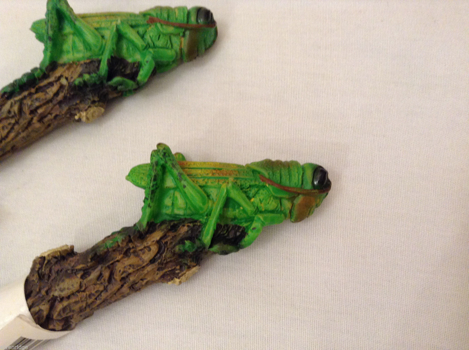 Novelty Pen with Green Grasshopper on top of resin Branch  NWT