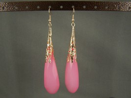 "Medium Pink Gold tone plastic faceted dangle earrings 4"" long - $7.42"