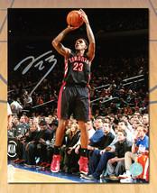 Lou Williams Toronto Raptors Signed Shooting 8x10 Photo - £30.56 GBP
